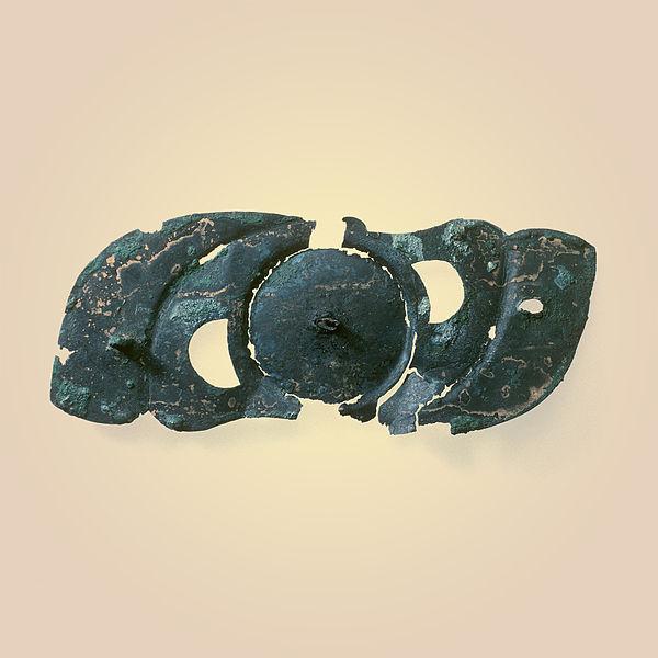 600px-Laténium-applique-ornamentale-bronze